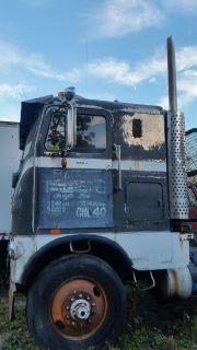 Freightliner FLB Cabover Detroit 318