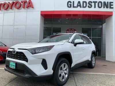 2019 Toyota RAV4 (Super White)