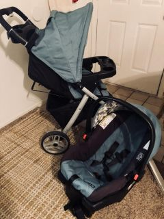 Graco stroller, (click connect)car seat and base combo