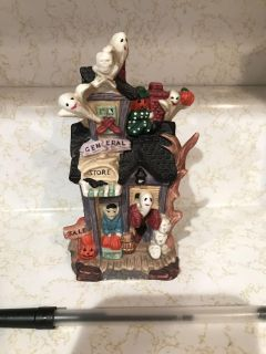 SMALL CERAMIC HALLOWEEN HAUNTED HOUSE TOWN DECOR! HOLE ON BOTTOM FOR LIGHT NO CRACKS/CHIPS