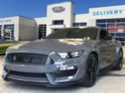 2018 Ford Mustang, new