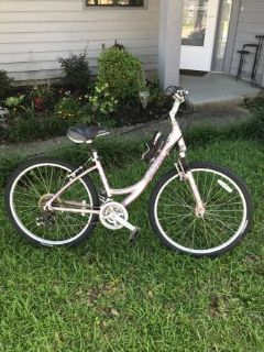 Diamondback Serene Woman's Bike