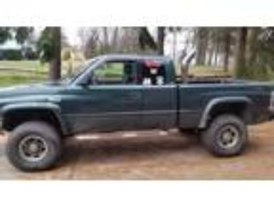 Used 1998 Dodge RAM 2500 for sale.