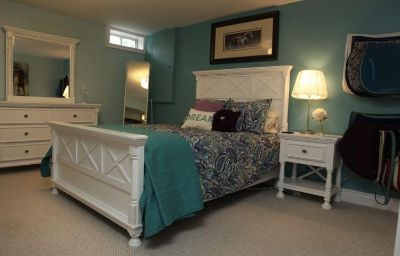 Immaculate Ashley Furniture Double Bed Set