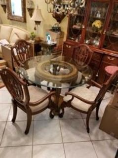 Beautiful Furniture, Washer & Dryer, Lots of Great D cor & Artwork, Beautiful Rugs,