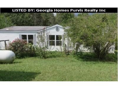 3 Bed 2 Bath Foreclosure Property in Mount Airy, GA 30563 - Dicks Hill Pkwy