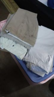 30 30 pants. $6 for the 7 pairs