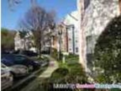 2 Bed1 Bath Condo In New Town