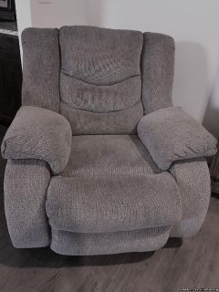 Recliner sofa and recliner chair