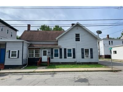 4 Bed 1.5 Bath Foreclosure Property in Southbridge, MA 01550 - North St