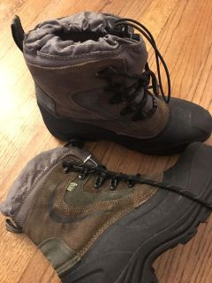 New boys/men s Thermolite boots size 8.5-9. $25.00