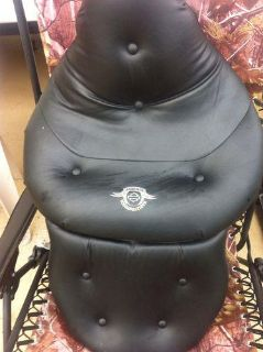 Sell harley davidson touring seats motorcycle in Southaven, Mississippi, US, for US $214.50