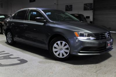 2015 Volkswagen Jetta Sedan 4dr Auto 2.0L S (Platinum Gray Metallic)