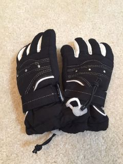 Thinsulate 40g youth gloves. Size 4-6x