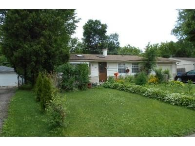 3 Bed 1 Bath Foreclosure Property in Carpentersville, IL 60110 - Harrison St