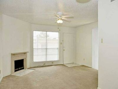 - $422 $422 with two great roommates (Park Place Apartments)