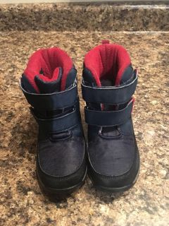 Size 8 toddler boy winter boots