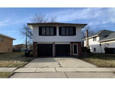 3 Bed 2.5 Bath Foreclosure Property in Country Club Hills, IL 60478 - Crawford Ave