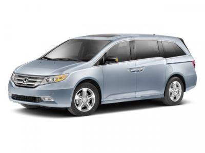 2013 Honda Odyssey Touring (White Diamond Pearl)