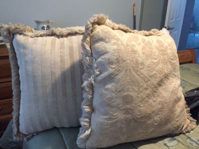 2 Large reversible crime colored pillows