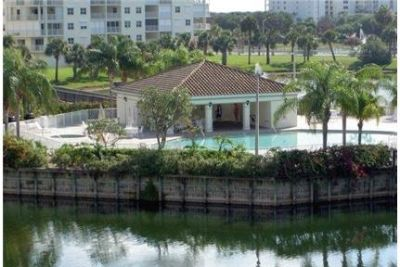 2 bedrooms Condo in Cape Canaveral