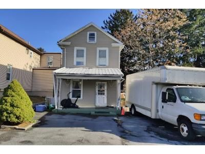 2 Bed 1 Bath Preforeclosure Property in Harrisburg, PA 17109 - N 28th St
