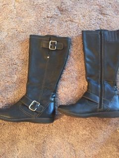 Like new BOC Born all leather boots