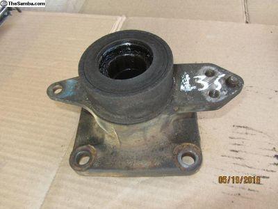 vanagon wheel bearing housing L-35