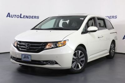 2014 Honda Odyssey Touring (White Diamond Pearl)