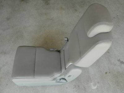 2nd row middle seat Honda Odyssey