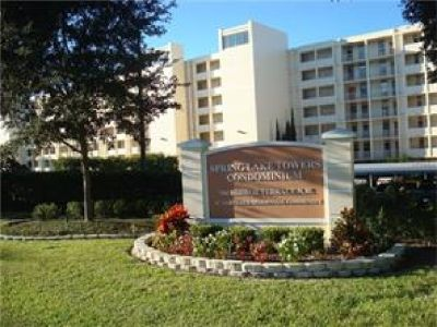 CHAIN OF LAKES, LAKEFRONT 2 BEDROOM, 2 BATH CONDO WITH FANTASTIC VIEWS