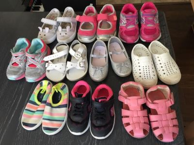Lot of 10 toddler girl shoes 6-8