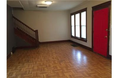 4-5 Bed/2 Full Bath CONVENIENTLY located near the and Campus