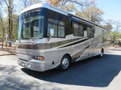2006 Fleetwood Providence 39V Full Wall Slide