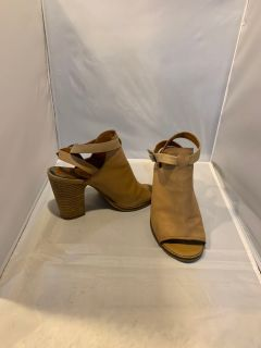 Lucky Brand Sandals size 7M