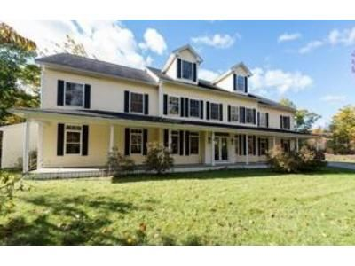 4 Bed 5 Bath Foreclosure Property in Kennebunkport, ME 04046 - Back Harbor Rd