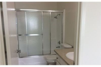 Beautiful One Bedroom in Gated Community. Cat OK!