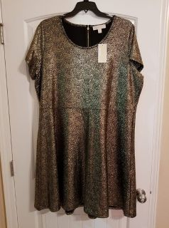 New with tags M. Kors dress- black and gold colors. Size 3x. Firm price