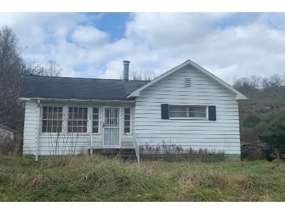 3 Bed 1 Bath Foreclosure Property in Griffithsville, WV 25521 - Garretts Bnd