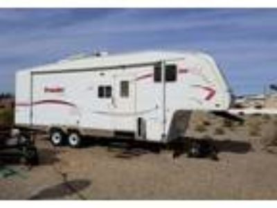 2006 Fleetwood Prowler-Regal 5th Wheel in Palmdale, CA