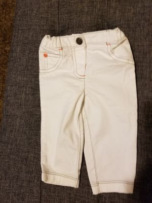 LIKE NEW .. CARTERS 6MO WHITE JEANS W CORAL STITCHING