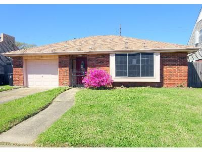 3 Bed 2 Bath Foreclosure Property in New Orleans, LA 70128 - N Oakridge Ct