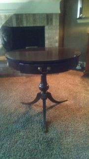 Vintage Duncan Phyfe Table