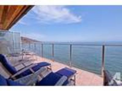 3+3 Beach Front Property in an Unbelievable Area!!
