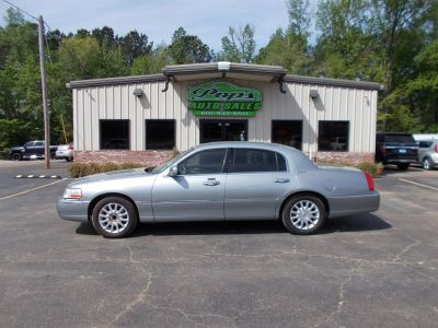 2006 Lincoln Town Car Signature (Blue,Light)