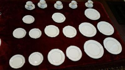 Lenox China Dimension II Collection 5 settings
