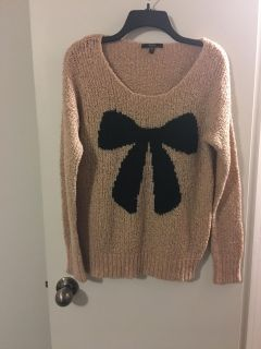 Woman s Bow Sweater Sz-Medium/Large