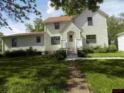 13123 365th Avenue Blue Earth Five BR, If you've been wanting an