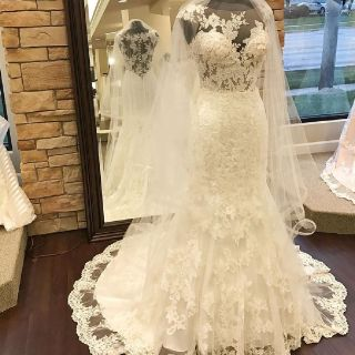 Athena's Mermaid Lace Scoop Neck Wedding Gown