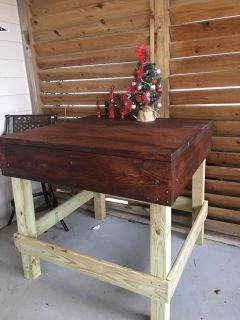 Table stained can make to your specification